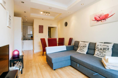 KING'S CROSS APARTMENT top location SLEEPS 4!!