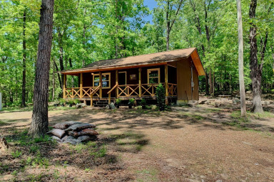 Hiker Hut ~ Syllamo Trails, Nat'l Forest and Livingston Creek