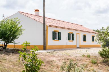 Casa Das Fronteiras - Aljezur - 2 bedroom apartment (no wifi)
