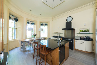 Spacious, Bright & Central, Ground Floor- Sleeps 6