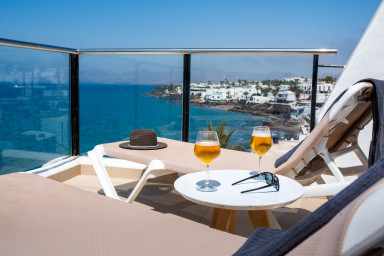 Estelai   Apartment with breathtaking front line Ocean views