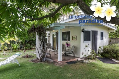* LAST MINUTE OPENING * Tropical Garden Cottage