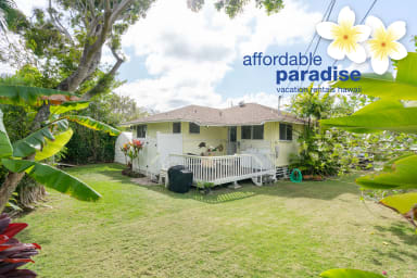 Kalaheo Beach House with 2 bedroom 1 1/2 bath - located in beach lane - AC