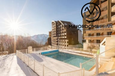 Residence with SWIMMING POOL and PRIVATE PARKING-100m of the lifts #AM