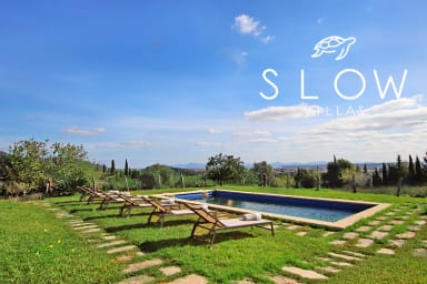 Villa Es Bosquet, holiday home with a pool and stunning panoramic views