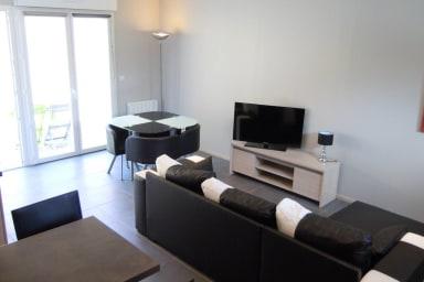 House Duplex Terrace n ° 1 near IUT Lyon 1 / INSA