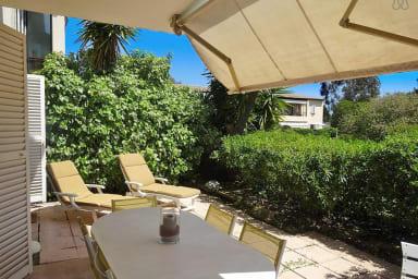 Appartement avec belle terrasse, proche plages