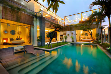 Classy Private Villa, 5 BR, Seminyak Center w/ staff- up to 70% discount !