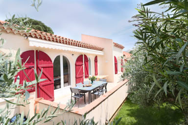 Splendid villa with nice Garden & Jacuzzi at 200m from beaches of Juan