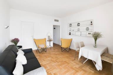 Appartement niçois avec vue spectaculaire - W393