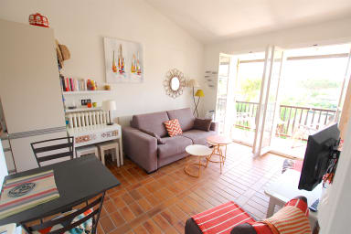 2-room apartment with a mooring close to the beach