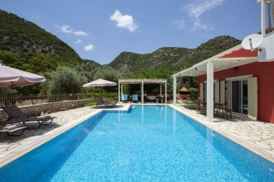 -20%:Villa Niriides - Private secluded villa with very big swimming pool