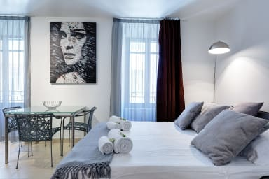 IMMOGROOM - 8 min from the Palais - A/C - Quai St Pierre - CONGRESS/BEACHES