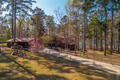 Lake Time Retreat - Waterfront on Lake Sam Rayburn