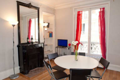 Spacious and calm 2 bedroom apartment in the Latin Quarter