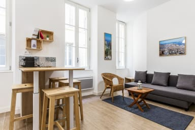Refurbished 2-rooms between Panier and Old Port in Marseille
