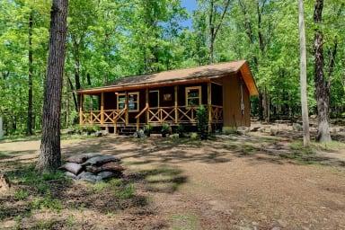 Hiker Hut ~ Syllamo Trails, Nat'l Forest and Livingston Creek