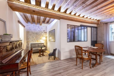 Charming apartment in the heart of the Old Lyon