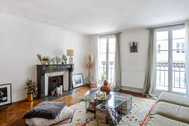 Charming flat with balcony in the heart of Paris