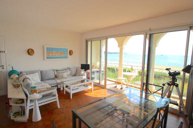 Pretty 4-room apartment with WIFI on the beach