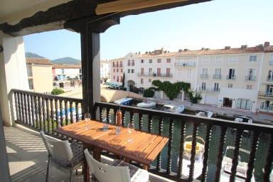 Appartement 2 pièces rénové avec Climatisation, grand balcon près du centre