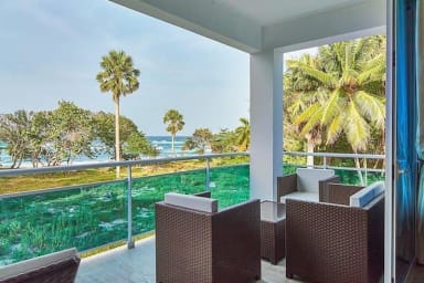 Very Private Oceanfront Grand Laguna Beach Sosua near rooftop Jacuzzi