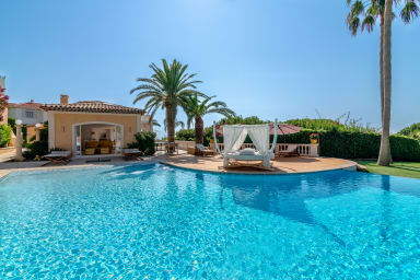 Villa Astride / Magnificent villa with panoramic sea view