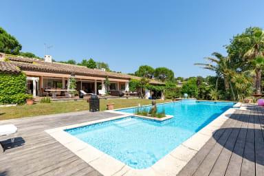 VANEAU ☀️ Fabuleuse villa avec jardin, piscine, jacuzzi