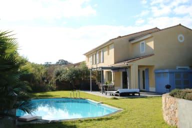 Maison 4 pièces sur 2 niveaux, piscine jacuzzi, Cannes Croix des Gardes