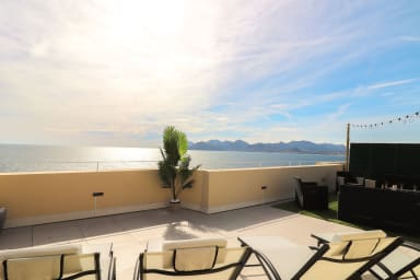 Amazing seafront rooftop terrace close to cannes center