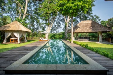 Luxury Jungle Villa, 3 BR, Ubud w/ staff
