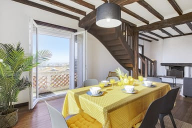 Large and calm flat with terrace in a nice house in Hendaye - Welkeys