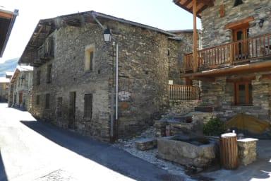 Village de Besse en Oisans, Vallée du Ferrand, à proximité de la Grave