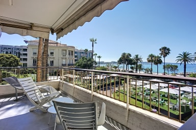 (106) Appartement Grand Hotel vue mer donnant sur la Croisette climatisé