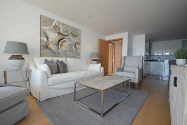 Luxury 3-bedroom apartment in Ocean Village