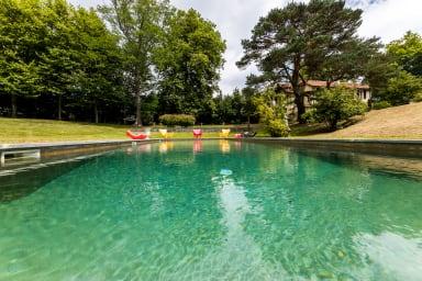 LES ECURIES• KEYWEEK Villa rénovée avec piscine dans parc arboré à Biarritz