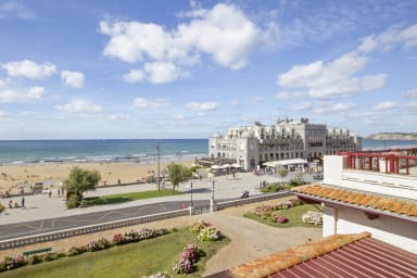 Nice quiet 3*** 1br with balcony and view on the beach of Hendaye – Welkeys