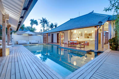 Modern 3 Bedrooms at the heart of Seminyak