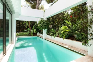 The gorgeous private swimming pool