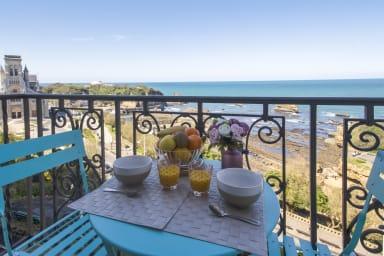 Charmant studio avec vue sur mer et balcon au cœur de Biarritz - Welkeys