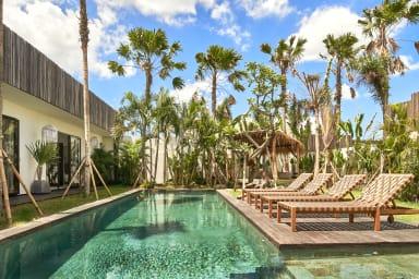 Fantastic Villa, 4 BR, Umalas w/ staff