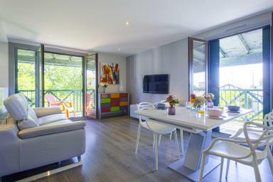 Moderne et lumineux appartement avec trois balcons à Biarritz - Welkeys