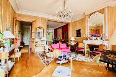 Splendide appartement Bourgeois quai des Chartrons, un vrai bijoux !
