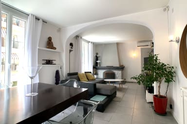 Spacious 120m² air-conditioned 3-bedroom apartment with garage