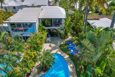 Cabarete Bay center Olas De Oro. Premier Vacation villa steps from beach