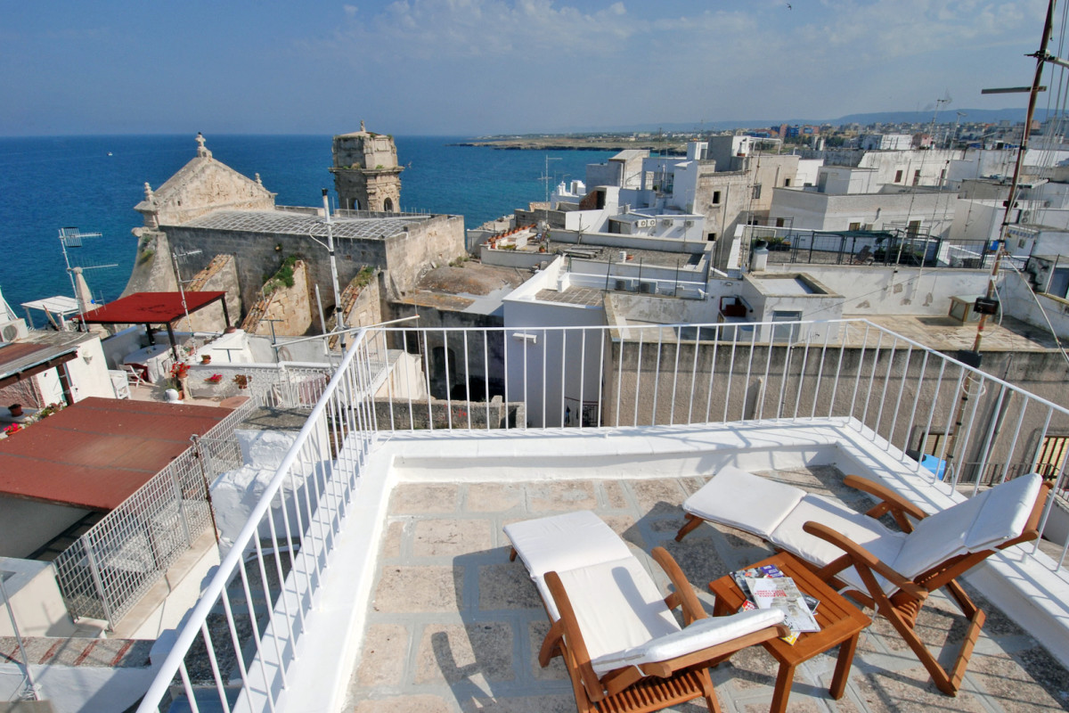 terrazza mediterranea: casa vacanza tra i vicoli di monopoli in ... - Affascinante Casa Privata Sul Mediterraneo