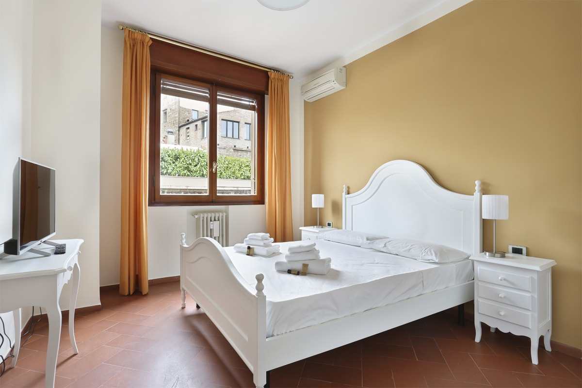 Apartment PONTEVECCHIO 2 BEDROOMS SUITE photo 18385980