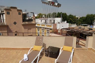 Apartamentos vacacionales en alquiler en el centro de for Alquiler apartamentos sevilla espana
