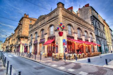 Location d'un meublé au mois à Bordeaux