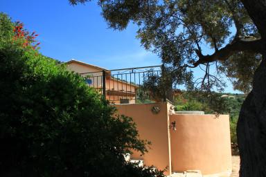 entrance from villa Boubouki
